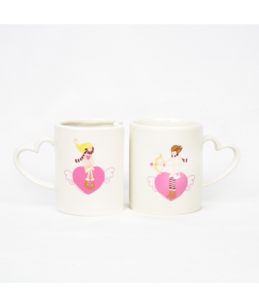 Set de dos tazas con imagen de enamorados encajables